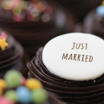 Just Married - Chocolate - close up