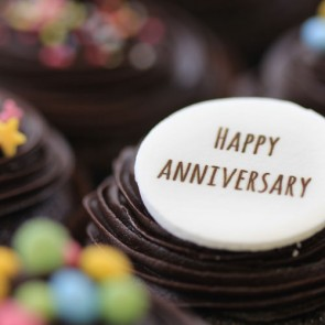 Happy Anniversary - Chocolate - close up